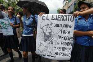 Students demonstrate against obligatory military service