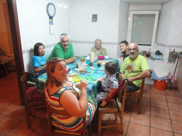 Eating with the family in Tubilla, August 2011