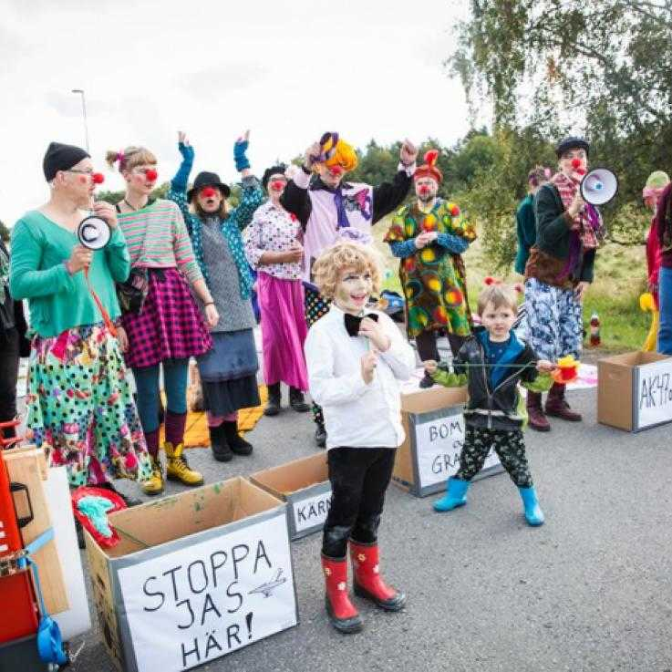 A clown blockade outside a Swedish military base
