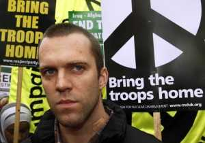 Joe Glenton at the anti-war demonstration in London, 24 October 2009